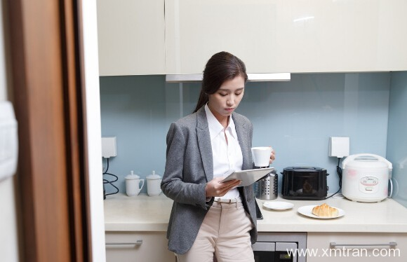 翻译专业现在吃不吃香?女孩学翻译好就业吗?